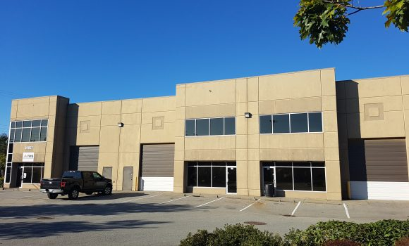 8,024 sf Industrial Unit in Multi-Tenant Complex