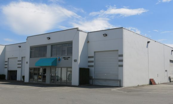 3,118 SF Corner Warehouse Unit in Newton