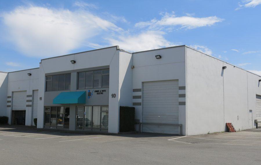 3,118 SF Corner Warehouse Unit in Newton