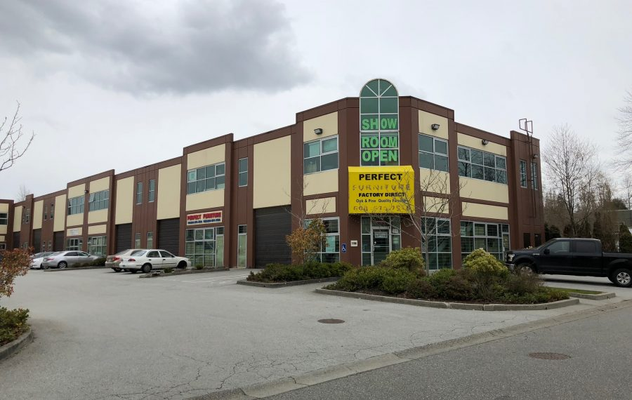 4,039 – 15,870 SF in Light Industrial Complex