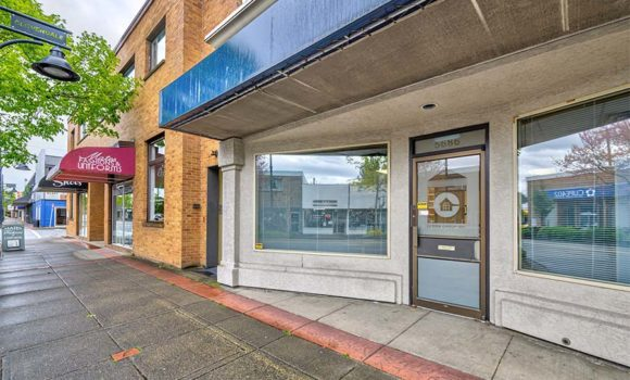 1,021 sf Retail Space in Downtown Cloverdale